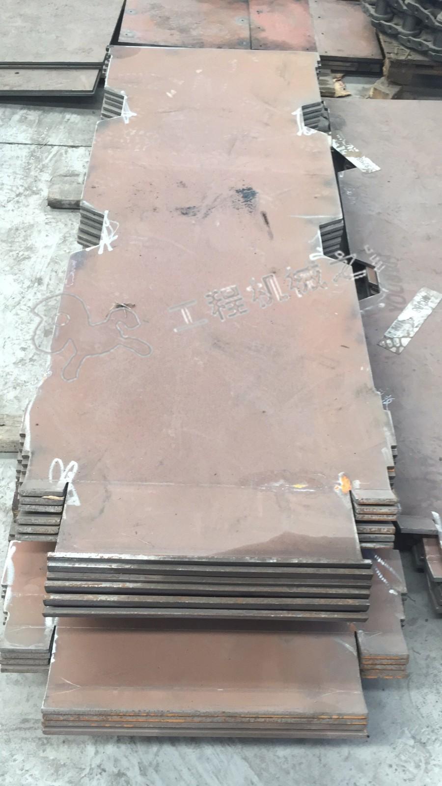 福格勒S2100-2摊铺机输料底板加水印.jpg