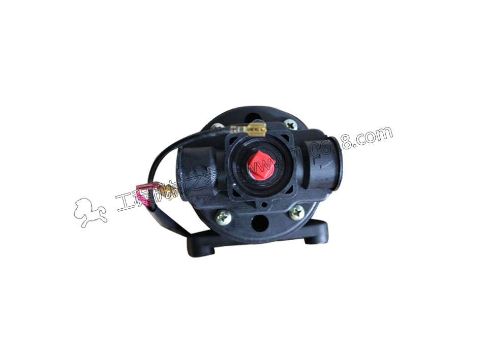 三一STR130压路机水泵